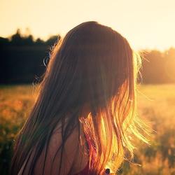 Parrucchiera per donna a Vicenza: gli effetti del sole sul capello